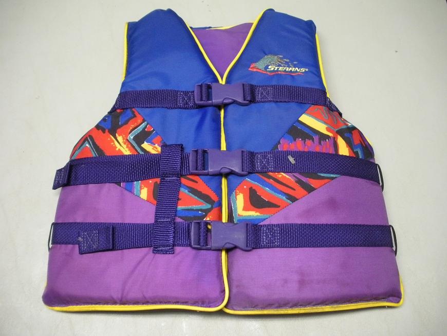 Stearns Youth Type III PFD Model 29-27