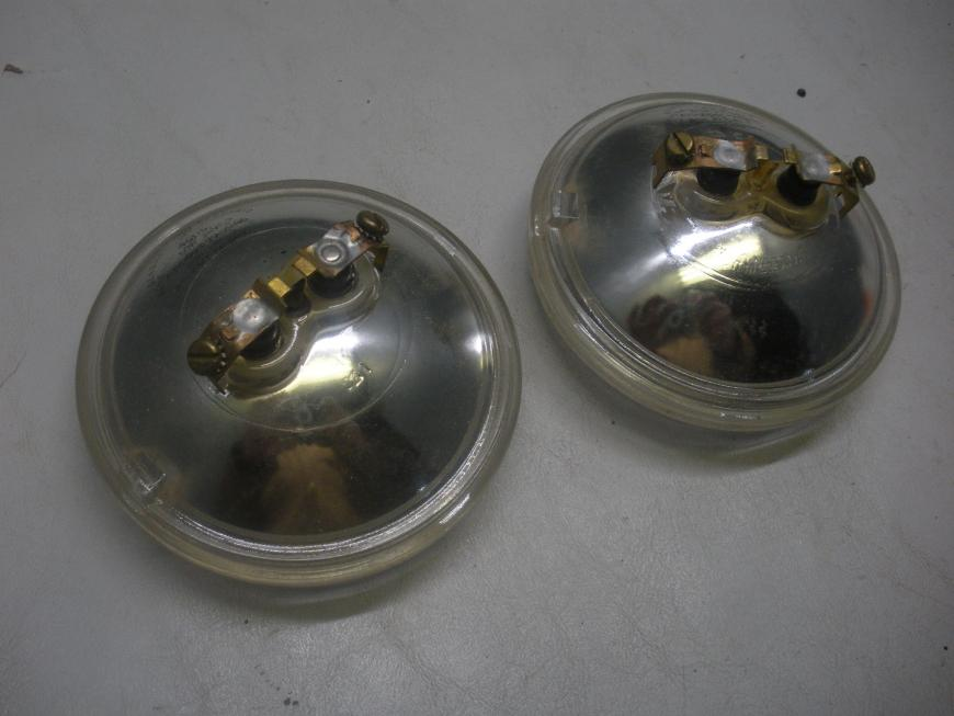 (2) General Electric Aviation Passing Sealed Beams 4505