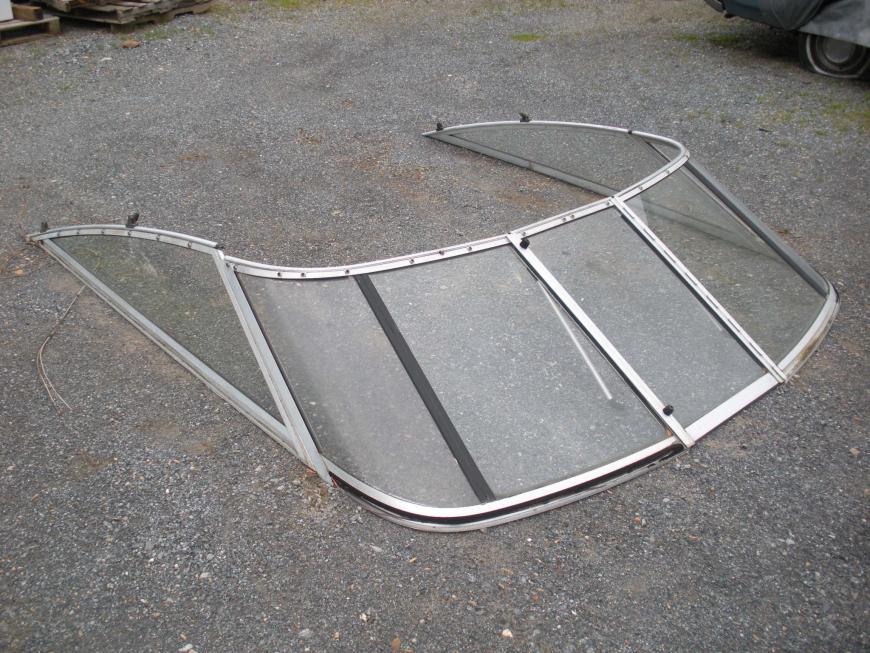 Renken 260 Classic Windshield Assembly